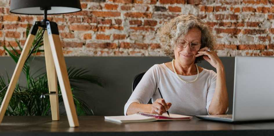 How To Protect Seniors from Fraud,  Money Scams and Financial Exploitation